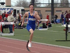 hunter bork DWU runner track team one-leg children