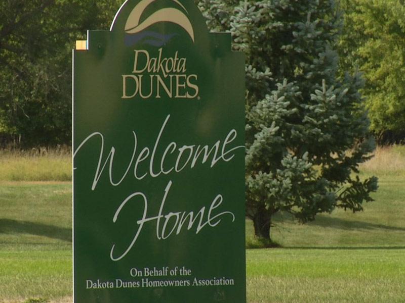 dakota dunes flooding sign