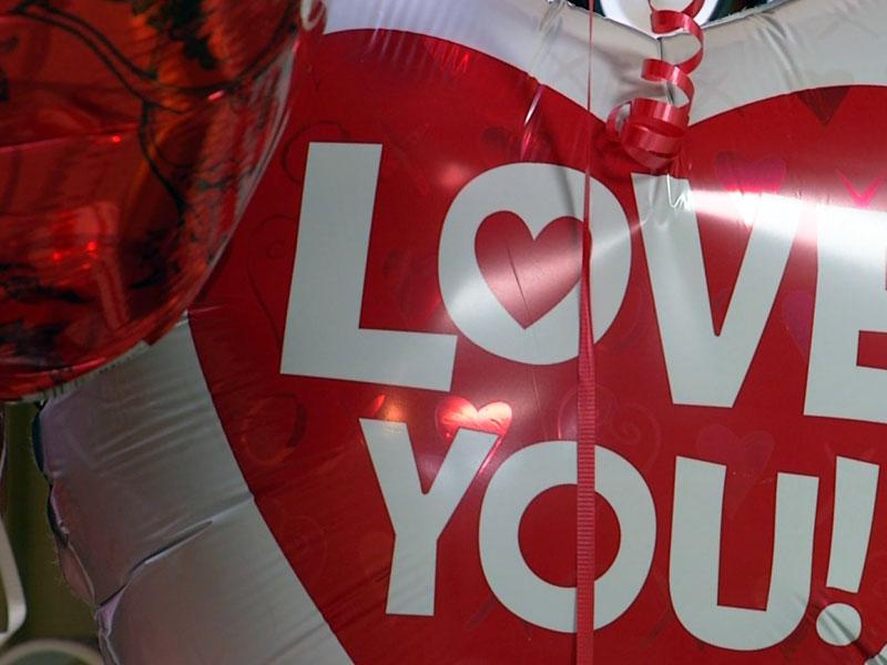helium balloons valentines day