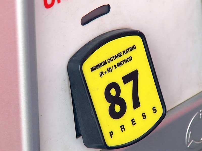 gas prices sioux falls pump filling up