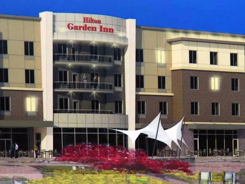 Hilton Garden Inn Expanding Patio Bar