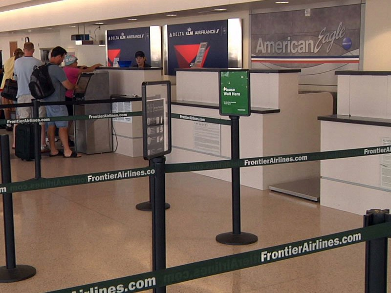 sioux falls airport passengers frontier american eagle