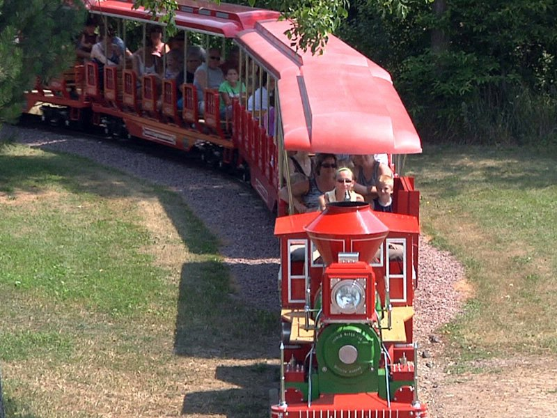 aberdeen tourism storybook land train visitors