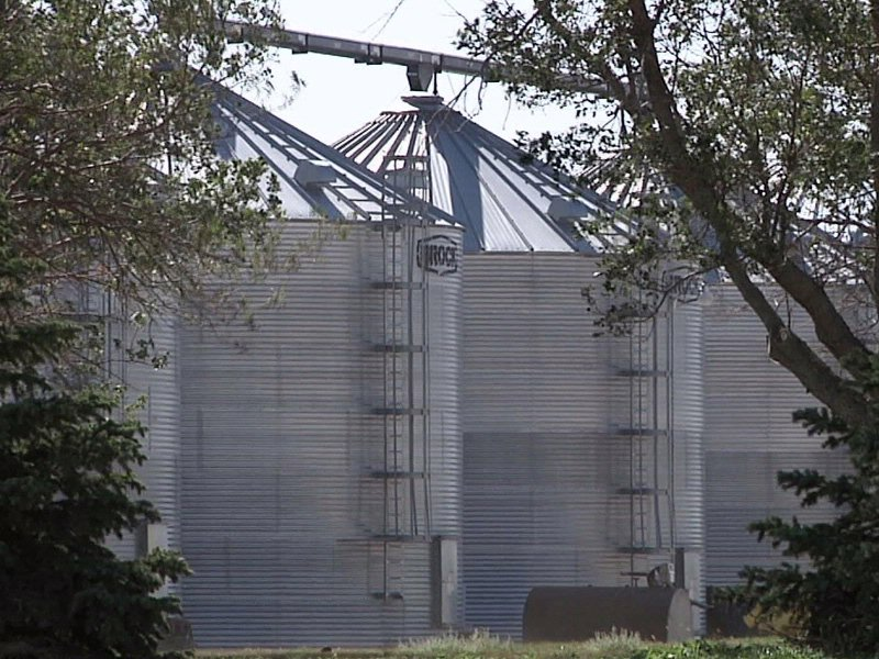 grain bins silos elevator agriculture farming farmers crops corn soy beans