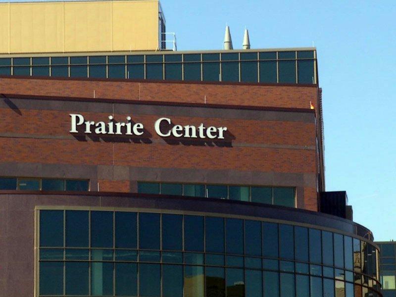 prairie center avera mckennan hospital window cleaner death fall