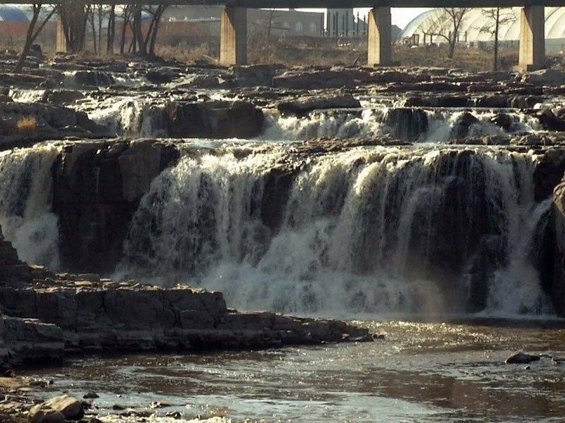 warm november day fall falls park water