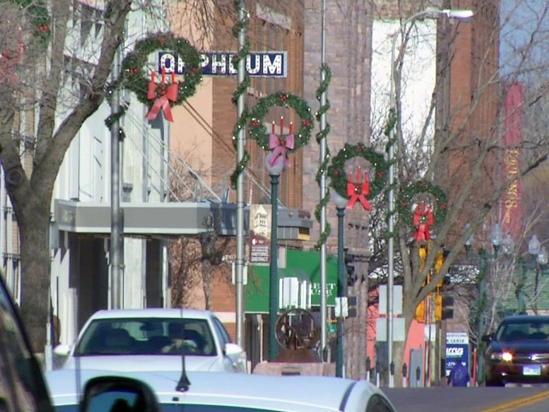 wreaths phillips avenue holidays sioux falls