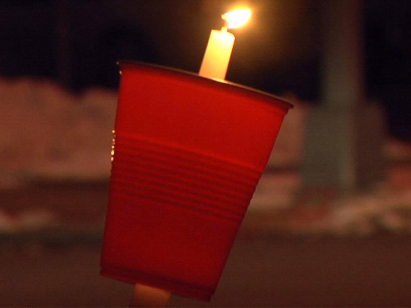 candlelight vigil held from victims of fatal fire on 1100 north main