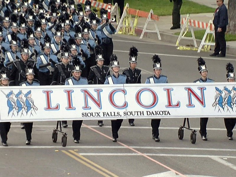 Lincoln High School marching band at the rose bowl parade