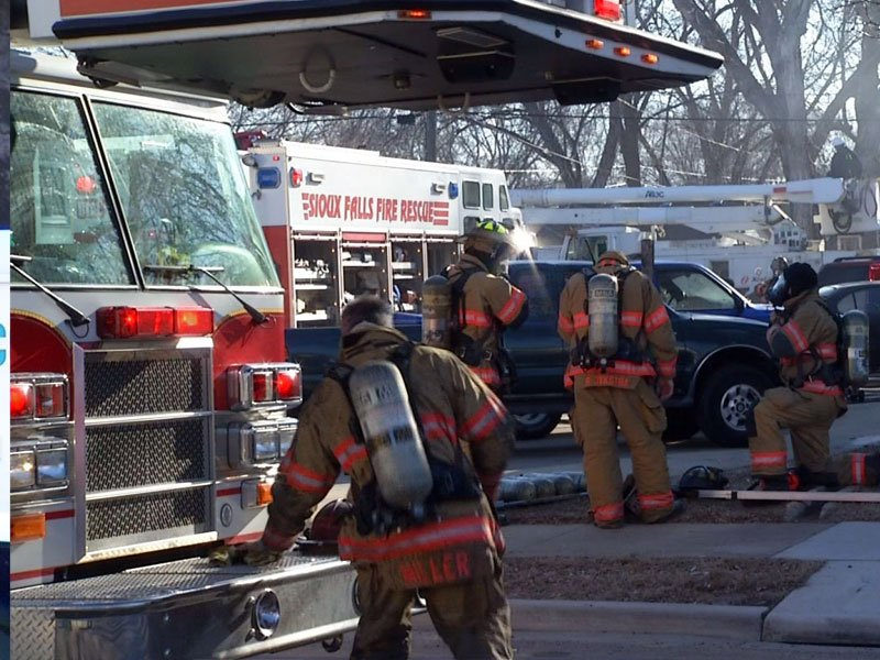 williams avenue fire, two dead three injured
