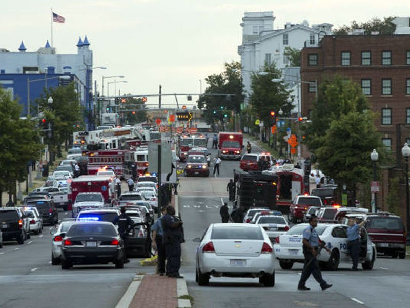 navy yard shooting associated press