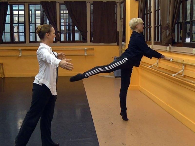 Crowdfunding, Dancer