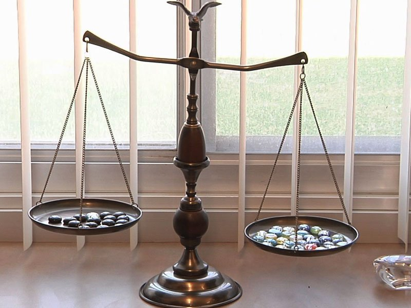 judicial reform court scales