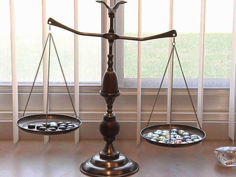 judicial reform court scales
