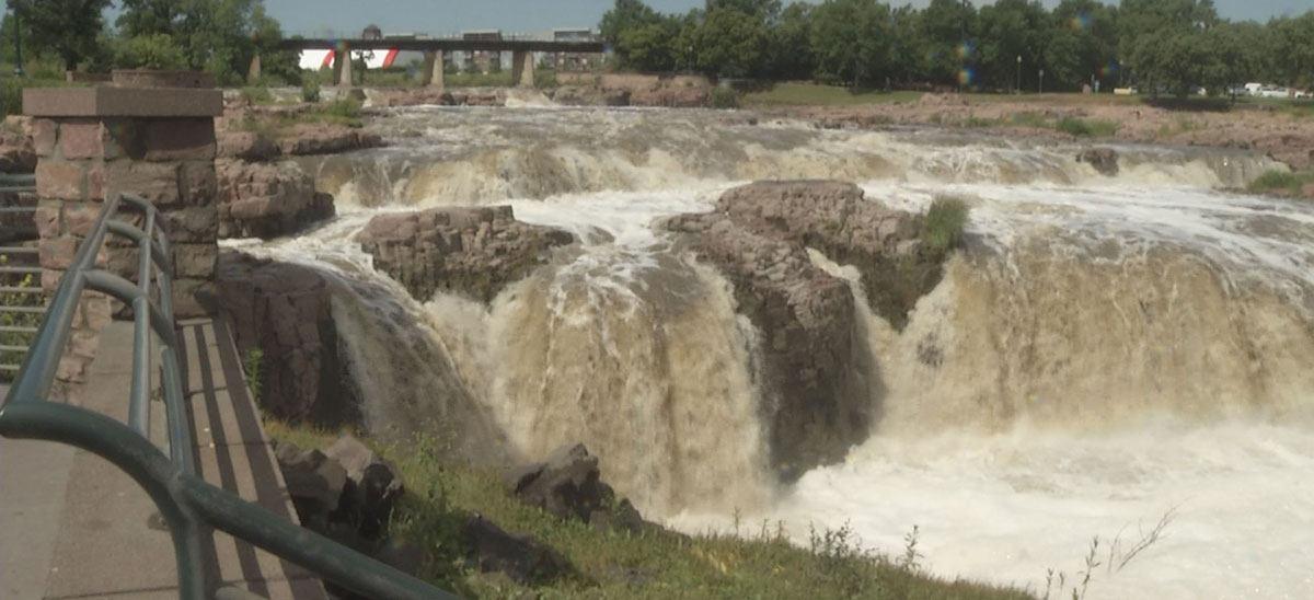 Falls Park Sioux Falls Weather Summer Weather Downtown Sioux Falls Phillips To The Falls