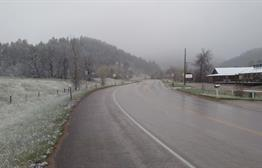 Light snow with calm winds. Light accumulation began around 6 p.m. as temperatures dropped. Beautiful spring day here in Spearfish South Dakota!