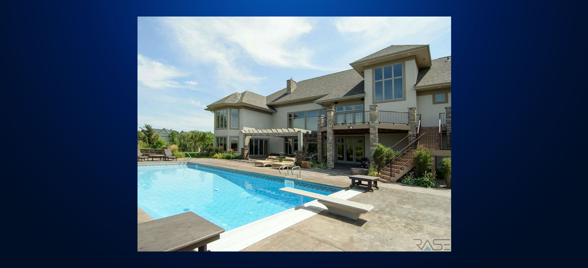 Pool view house for sale Sioux Falls. Record House Sale In Lincoln County