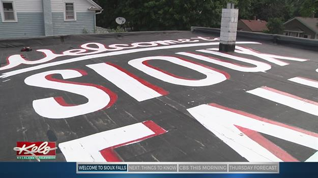 Rooftop Greeting Welcomes Travelers To Sioux Falls