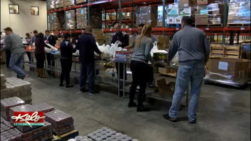 Positively KELOLAND: Volunteers Fill Bountiful Baskets