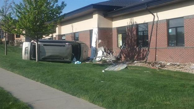 South Sioux Falls Car Crash Sends Man To Hospital